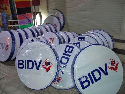 biển quảng cáo mica bidv