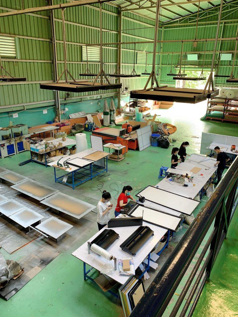 công xưởng sản xuất l&q lightbox việt nam 3