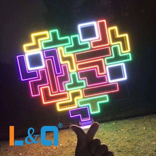 đèn neon sign biểu tượng trái tim