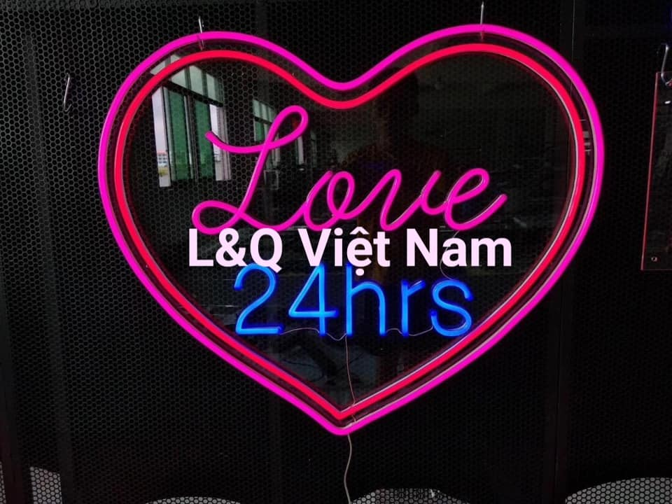 đèn neon sign love 24hrs