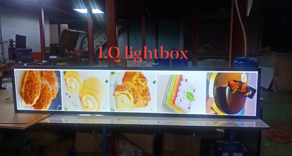 hộp đèn quảng cáo lightbox l&q cửa hàng bánh