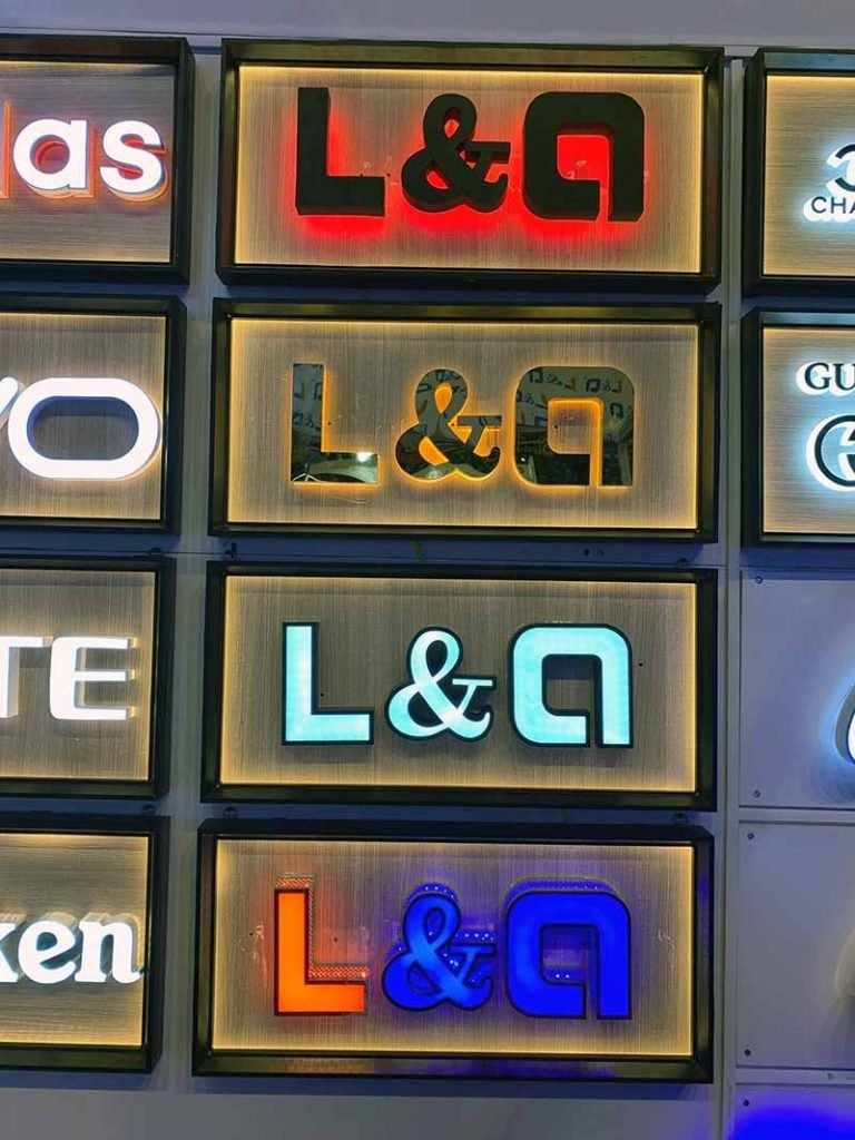 hộp đèn treo logo 2