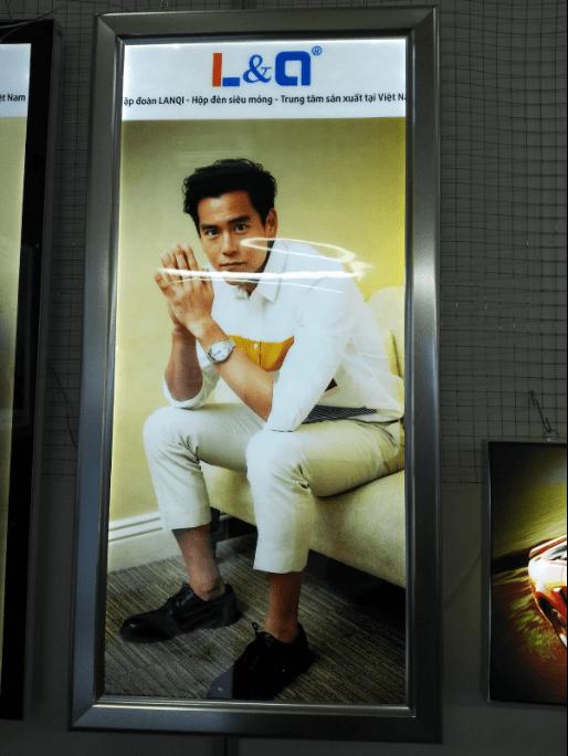 hộp đèn quảng cáo 6cm nắp bật