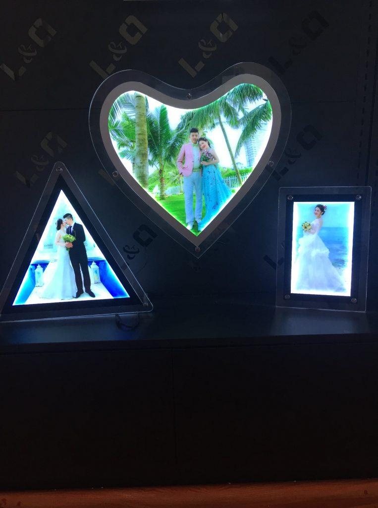 hộp đèn lightbox kỷ niệm ngày cưới