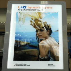 hộp đèn quảng cáo dùng trong ngân hàng 4cm