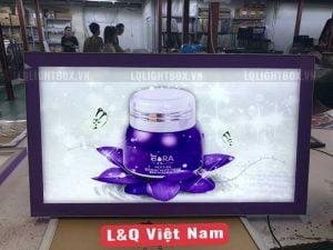 hộp đèn biển hiệu quảng cáo showroom mỹ phẩm bora 3