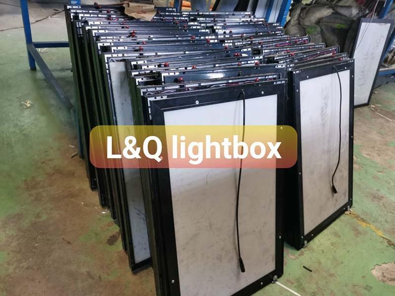 hộp đèn lightbox tranh điện gửi khách hàng tết 2021 5