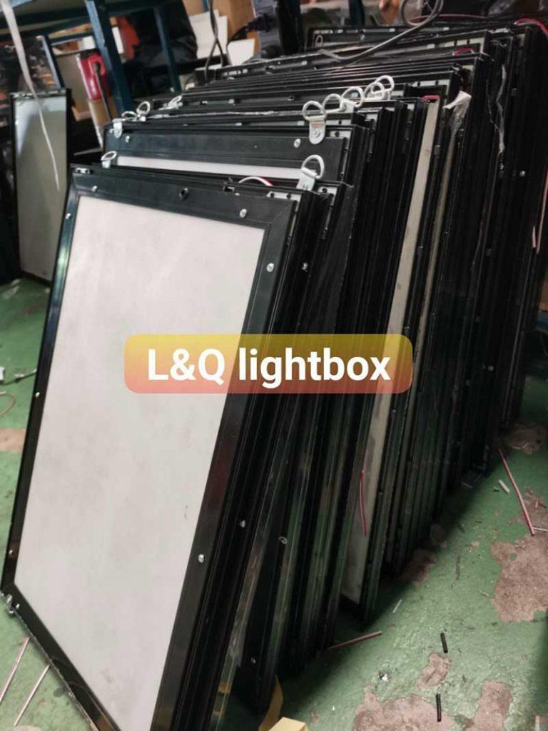 hộp đèn lightbox tranh điện gửi khách hàng tết 2021 6