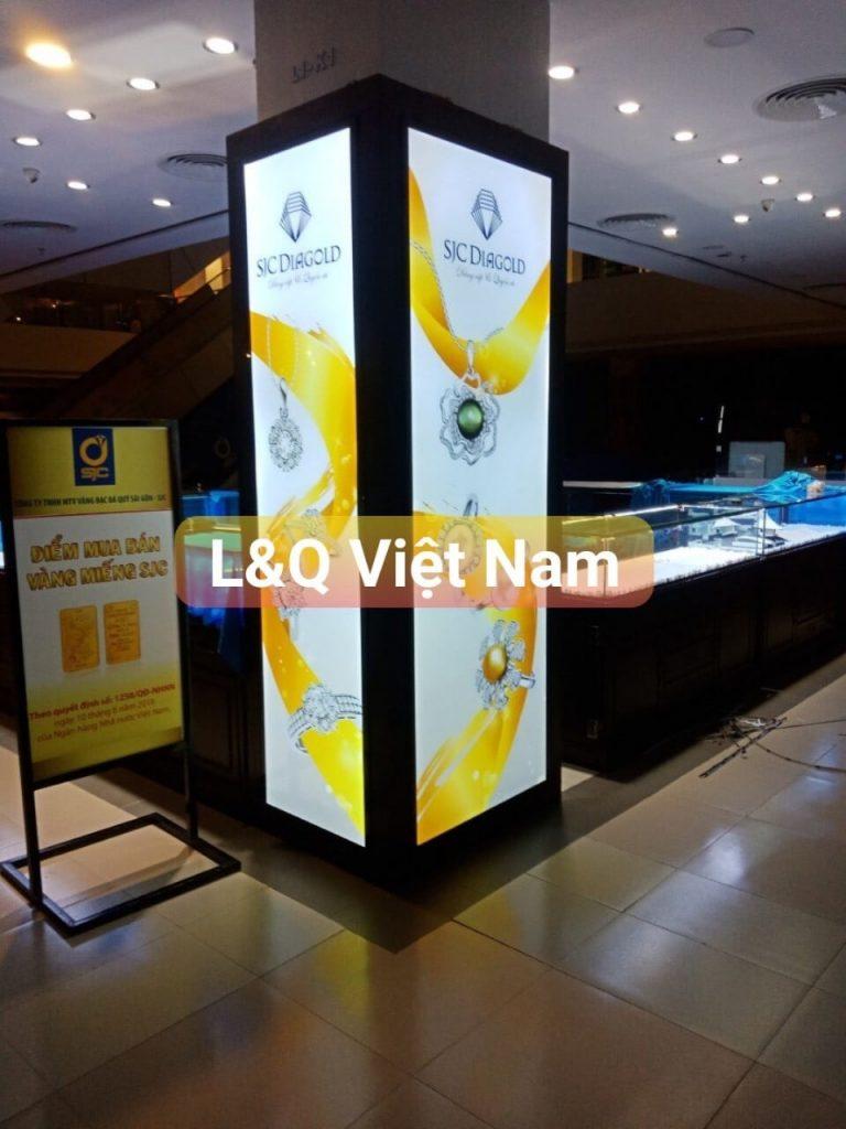 hộp đèn quảng cáo lightbox trang sức vàng vàng bạc đá quý