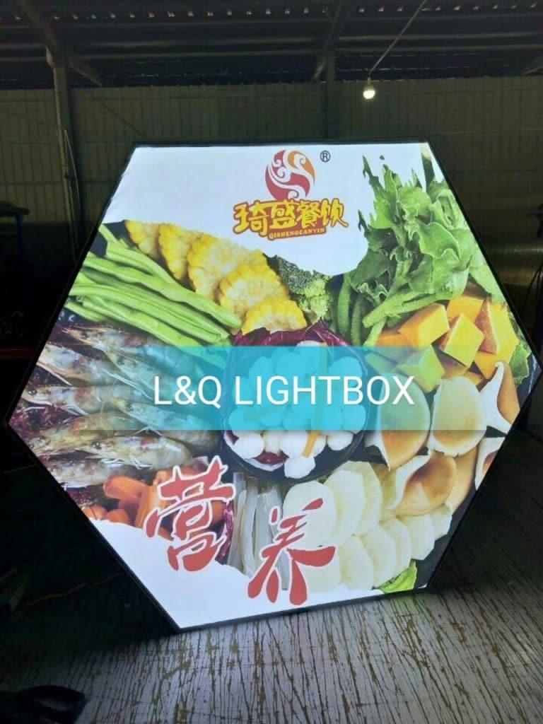 hop den lightbox quang cao hai san 6 canh la mat