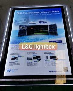 hộp đèn lightbox quảng cáo dịch vụ điện toán đám mây doanh nghiệp
