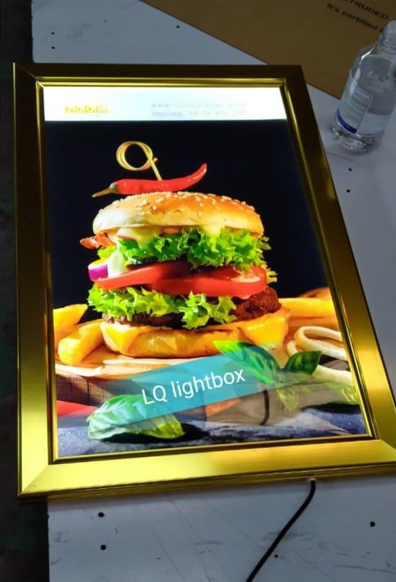 hộp đèn lightbox nắp bật quảng cáo bánh mì hamburger
