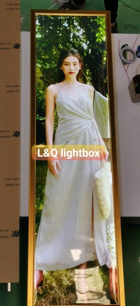 hộp đèn quảng cáo lightbox người mẫu nghệ thuật 2