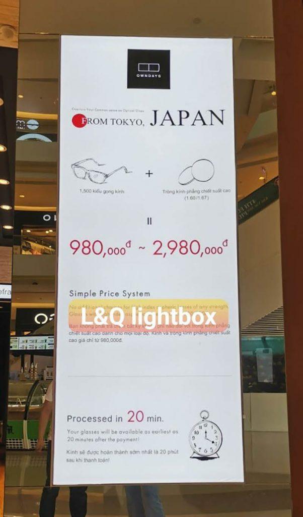 hộp đèn quảng cáo lightbox mắt kính có thiết kế đơn giản ấn tượng kết hợp thông tin và bảng giá