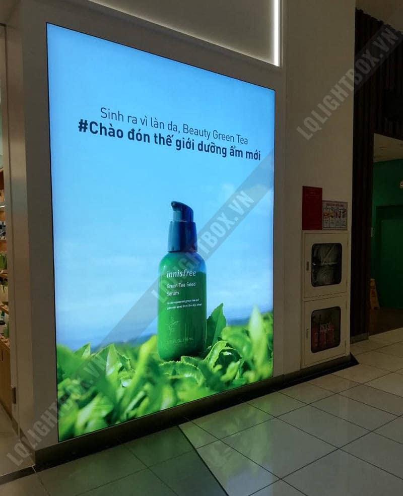 hộp đèn lightbox quảng cáo thương hiệu mỹ phẩm thiên nhiên Hàn quốc Innisfree