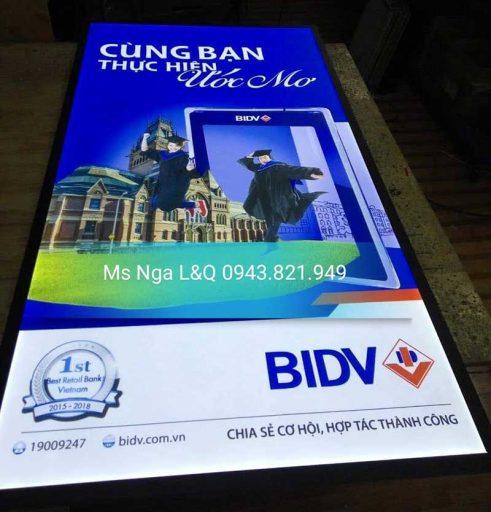 hộp đèn giới thiệu thương hiệu ngân hàng bidv