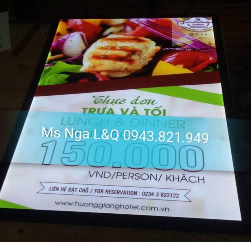 Hộp đèn quảng cáo đồ ăn tại hotel
